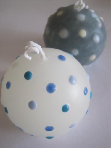 水玉模様の球